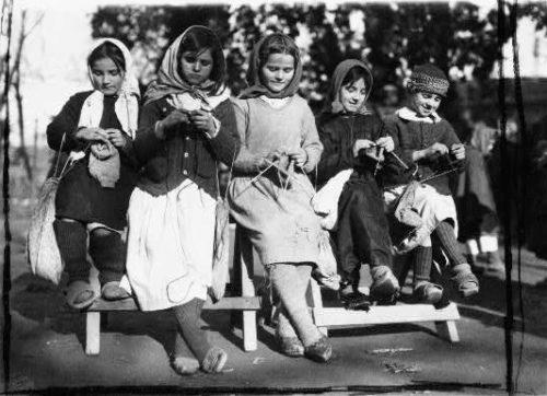 Five Girls Knitting