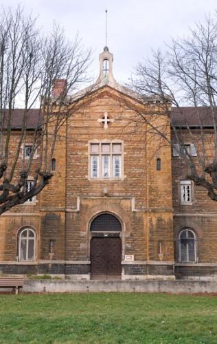 Eglise : élévation principale, avant-corps central