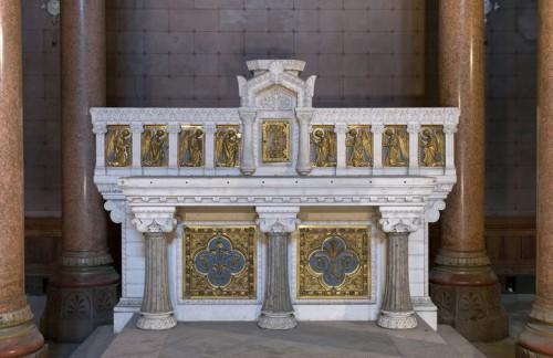 Maitre-autel : vue de face