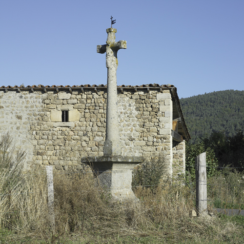 Roche (Loire). Croix de Vernay, vue d'ensemble
