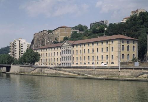 "Façade principale de l'ancien ""Grenier d'Abondance"" de Lyon"