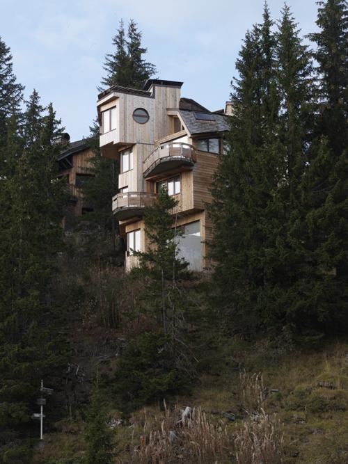 Avoriaz : chalet Arkéta (par Jacques Labro), côté aval