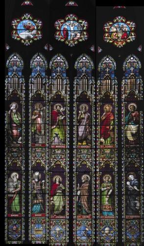 Montage photographique réunissant sur un même plan les verrières du chœur, Mauvernay (1879).