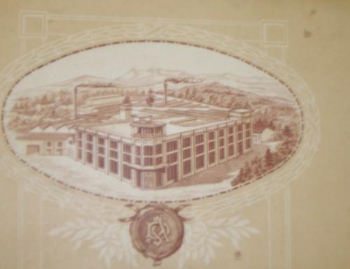 Carte publicitaire de la chapellerie Mossant (Arch. dép. Drôme. Repro. Martial Couderette © Région Rhône-Alpes, Inventaire général du patrimoine culturel, 2004, ADAGP).