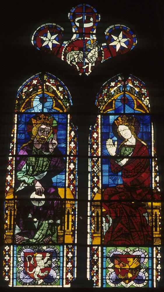 Baie 100 de la cathédrale Saint-Jean-Baptiste de Lyon (Rhône) : couronnement de la Vierge. Bruno Cougnassout © Région Rhône-Alpes, Inventaire général du patrimoine culturel, 1987 - ADAGP