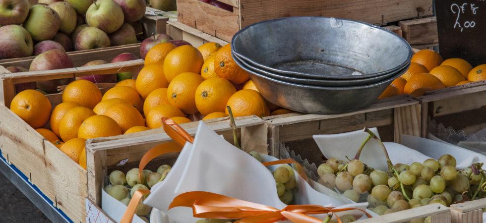 Sur le marché Saint-Antoine, (c) Eric Dessert, Région Auvergne-Rhône-Alpes, Inventaire général du Patrimoine culturel, 2017 - ADAGP