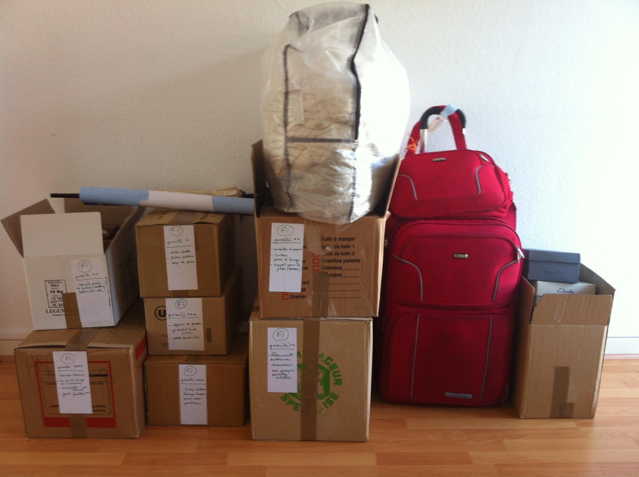 Être plus léger pour faire le pas de côté : mettre sa vie dans huit cartons et une valise