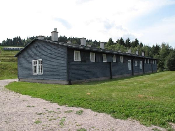 Le Block dit Bunker servant de prison dans l'enceinte du camp-haut, Clémentine Albertoni, 2011 (Ministère de la culture).