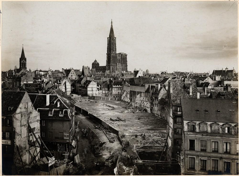 Travaux d'urbanisme, actuelle rue du 22-Novembre à Strasbourg. Auteur : Ville de Strasbourg (Denkmalarchiv, DRAC Alsace)