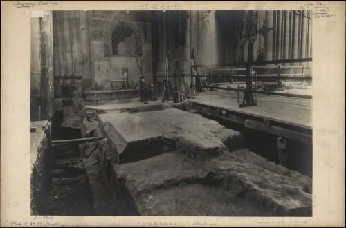 Travaux du pilier nord de la nef de la cathédrale de Strasbourg. Œuvre Notre-Dame, 1919 ? (Denkmalarchiv, © DRAC Alsace)
