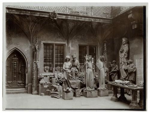 Cour de l'Œuvre Notre-Dame avant 1931 (Musées de la Ville de Strasbourg)