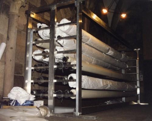 Nouveau système de stockage des tapisseries mis en place en 2010. Cliché : Gilbert Poinsot (DRAC Alsace)