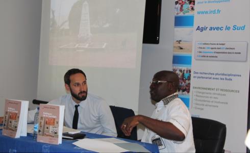Guillaume Lachenal et Joseph Owona Ntsama (FPAE), présentation à l'IRD, le 22 mai 2015