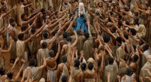 daenerys - bain de foule