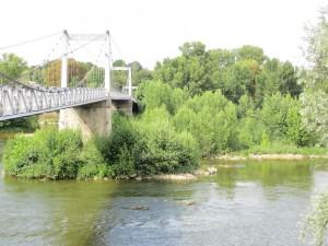 Pont de fil (ou passerelle Saint-Symphorien). Source de l'image.