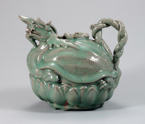 A turtle-dragon celadon pitcher Goryeo, XII century Stoneware under celadon glaze, engraving, stamping National Museum of Korea National Treasure No. 96