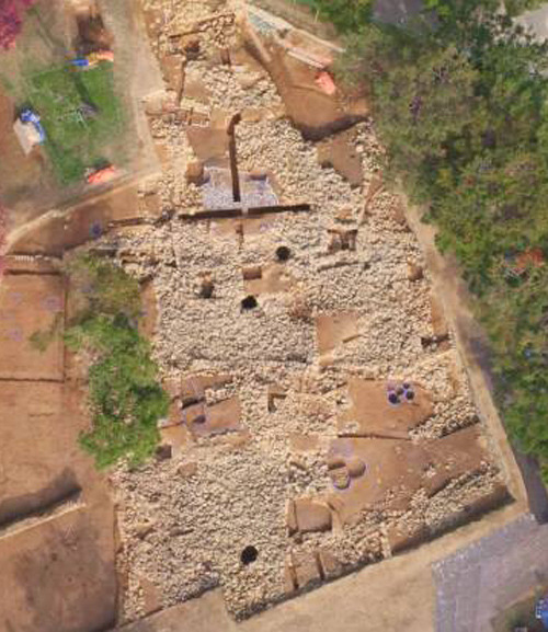 Aerial view of the excavated tomb complex [Credit: The Dong-A Ilbo].