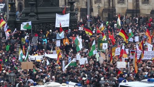Pegida-Demonstration am 25. Januar 2015 in Dresden (CC)