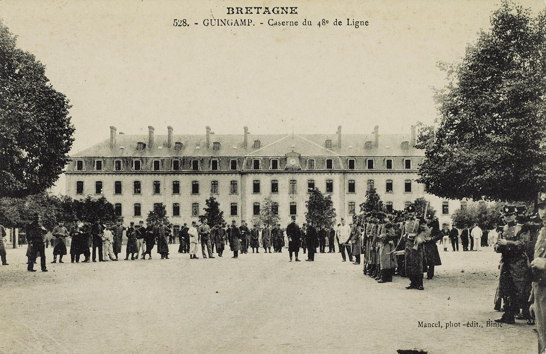 La caserne du 48e RI, carte postale. Musée de Bretagne: 972.0018.208.