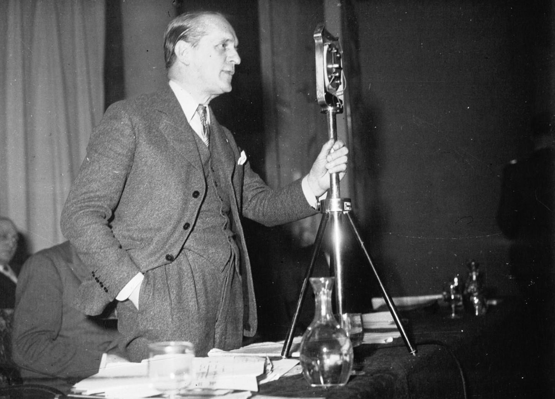 Le colonel François de La Rocque lors du premier congrès du Parti social français, en décembre 1936. Gallica / Bibliothèque nationale de France: département Estampes et photographie, EI-13 (2916).