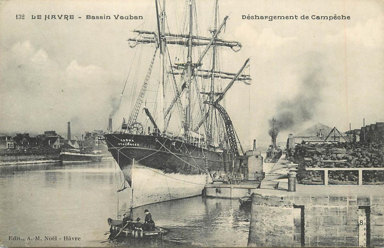 Le bassin Vauban au Havre, non loin d'où réside Guillaume Le Moal. Carte postale. Collection particulière.