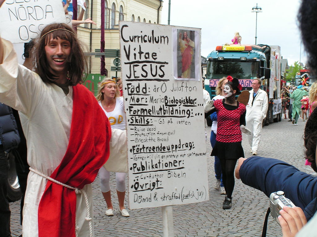 https://commons.wikimedia.org/wiki/File:Jesus_Lundakarnevalen.jpg