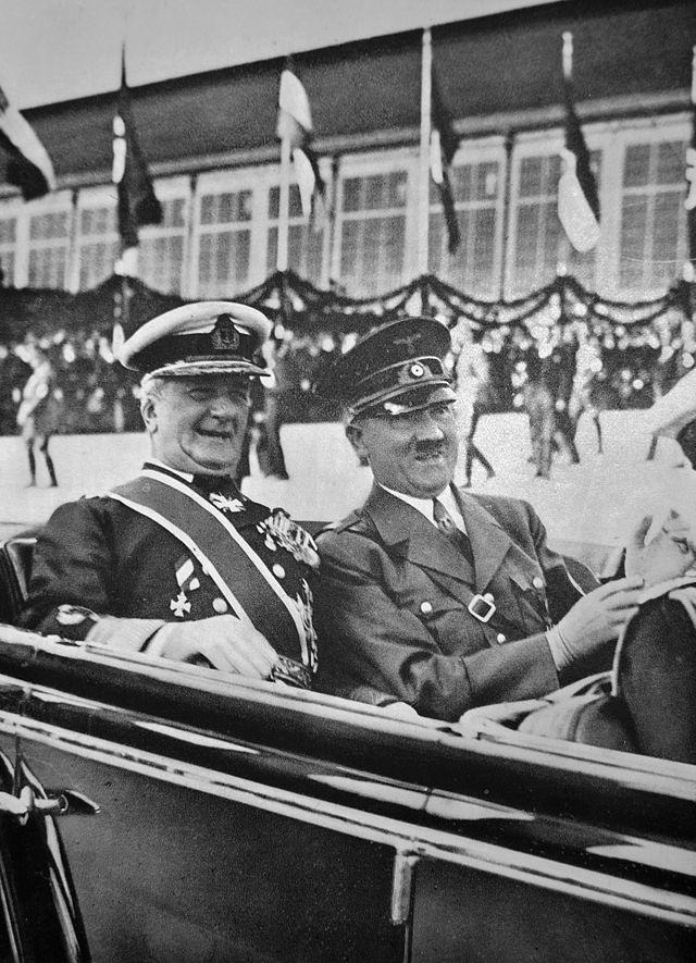 Horthy,  régent du royaume de Hongrie de 1920 à 1944  et Hitler