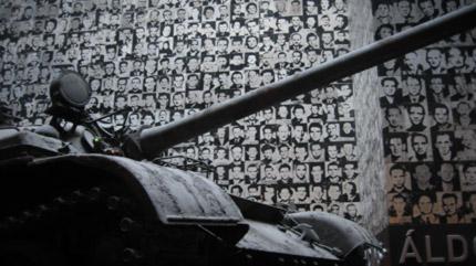 Tank blindé T-54,(apparu en 1946) servent encore dans dictatures du Tiers Monde.