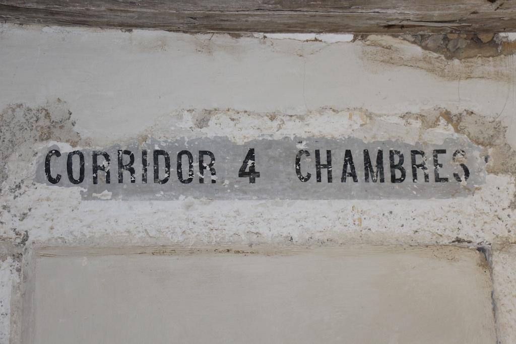 L'une des inscriptions témoignant du passé carcéral