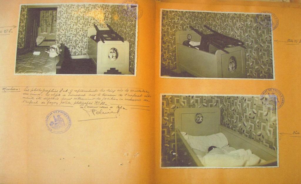 Photographie de la scène du crime. Le landeau de l'enfant assassiné. Archives départementales de Seine-Maritime