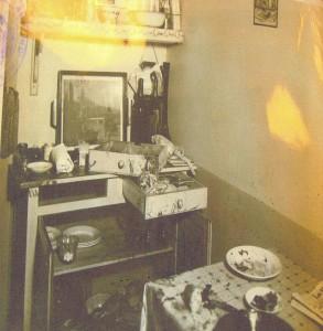 Photographie de la scène de crime. la cuisine après l'homicide. Archives départementales de Seine-Maritime