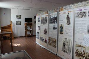Quelques panneaux de l'exposition La Pénitentiaire à Clairvaux, 2015 : photographies, collection particulière.