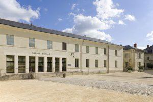 Fig. 18. La caserne de 1828, modernisée en accueil de l'Abbaye Royale de Fontevraud. Cl. P. Giraud © Région des Pays de la Loire.