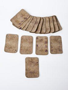 Fig. 24. Jeu de carte fabriqué par un détenu. Cl. P. Giraud © Région des Pays de la Loire.