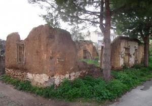 Fig. 9 : maison en brique crue de la première moitié du 20 s., Érétrie, rue Apostoli (© S. Müller Celka).