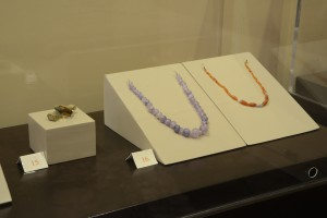 Fig.5: Jewels found in burials dated to 2000 BC © Sidon British museum excavation.
