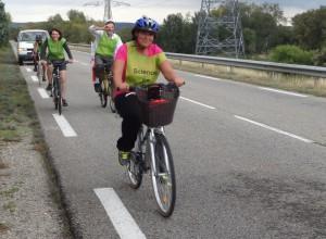 Fig. 3 :  Cyclotouristes plutôt que sportifs, tout le monde participe.