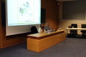 Fig. 2 : Ouverture du colloque par Carolyne Douché (à droite) et Fiona Pichon (à gauche). Copyright : J.-J. Herr