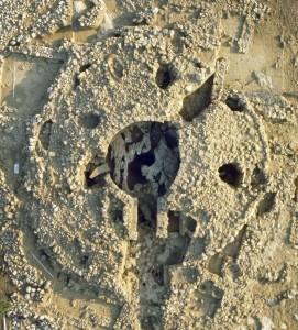 Fig. 7 : tumulus de Voïdokilia en Messénie (courtoisie du prof. G. Korrès).