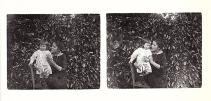deux photographies prises l'une après l'autre et sur lesquelles ont peut lire le mouvement des sujets