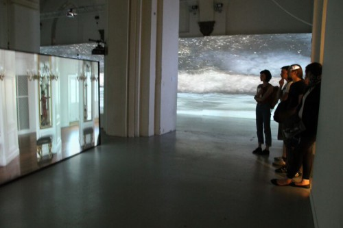 In Jeannette Ehlers' Ausstellung SAY IT LOUD! in der Kunsthalle Nikolaj. Abbildung der Ausstellung mit freundlicher Genehmigung der Künstlerin. CC-BY Wencke Gubisch