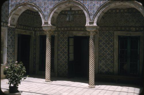 Patio d'une maison tunisoise.
