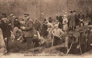 Fouilles à Glozel en 1928