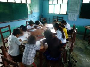 Alumnos realizando mapas mentales, San Buenaventura. Barrelet, 2013.
