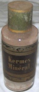 French Apothecary Bottle: Kermes Mineral, 1880s. Courtesy of Dr Jack Fincham.