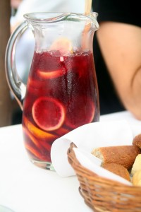 Sangria. Image credit: Flickr user ilker ender, via Wikimedia Commons.
