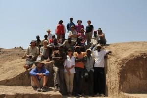 team picture at excavation-06