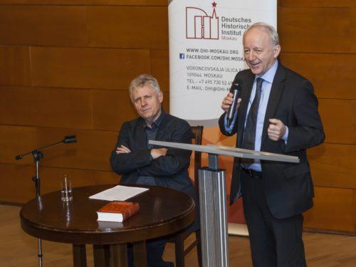 Eröffnung der Konferenz im Puschkin- Museum mit Gerd Koenen und Direktor Nikolaus Katzer.