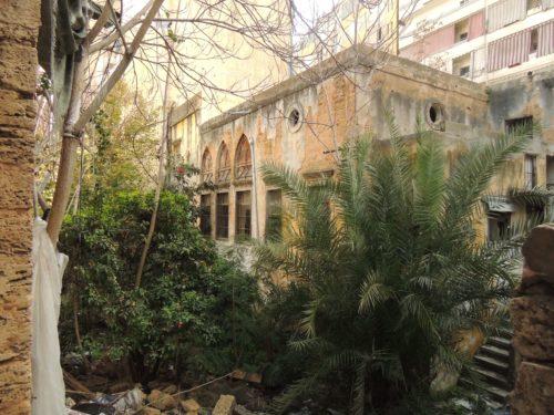 Verfallende osmanische Villa in der Nachbarschaft des OI Beirut