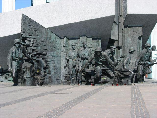 Denkmal des Aufstandes in Warschau, Foto: Dhirad,  CC-BY SA 3.0.